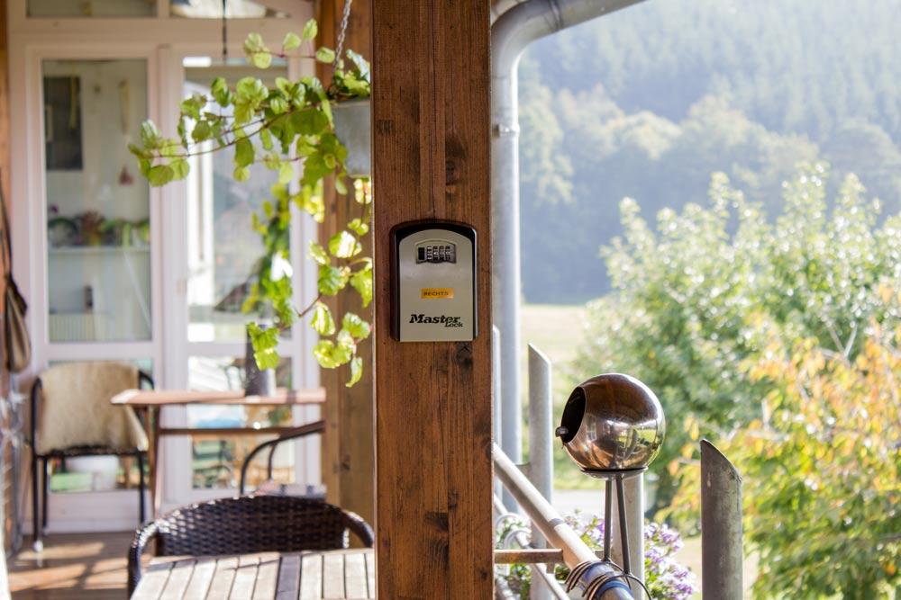 24h Check-In Schlüsseltresor rechte Wohnung | Ferienwohnung Sonnenhof Weidenhausen